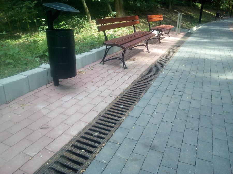 Park miesjki w Bochni wbudowane kanały w klasie D400 dla inwestycjii ścieżka rowerowa